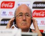 «كوكا كولا» و«ماكدونالدز» تطلبان من بلاتر أن يستقيل فورا